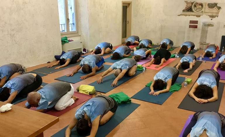 Yoga in Ostello